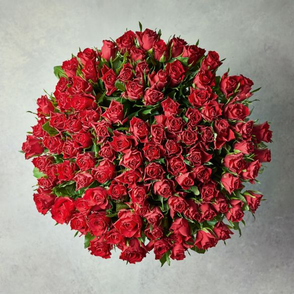 100 Sweetheart Roses - ready to arrange Red.