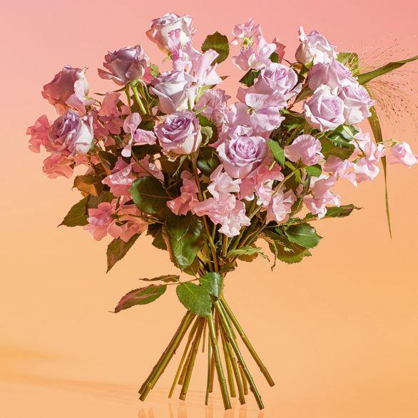 Medium Roses & British Sweet Peas Bouquet Pink.