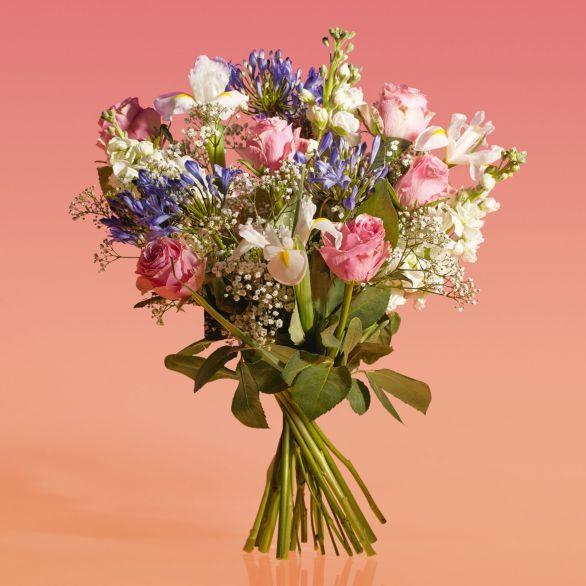 Roses & Agapanthus - ready to arrange Vibrant.