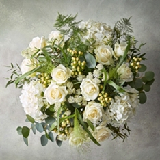 Premium White Delight Flower Garden Bouquet