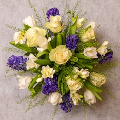 Medium Scented Spring Garden Bouquet