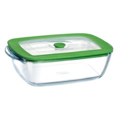 Pyrex 17x10cm rectangle dish with lid