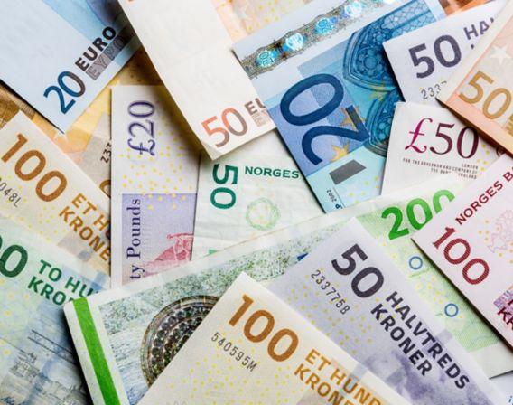 Pengesedler i ulik valuta