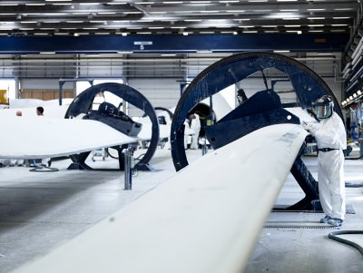 Category: Production  Component: Blade finish production Site: Blade factory in Lem, Denmark Photographed in: 2007 Photographer: Photopop Photo series: ASEM Blades