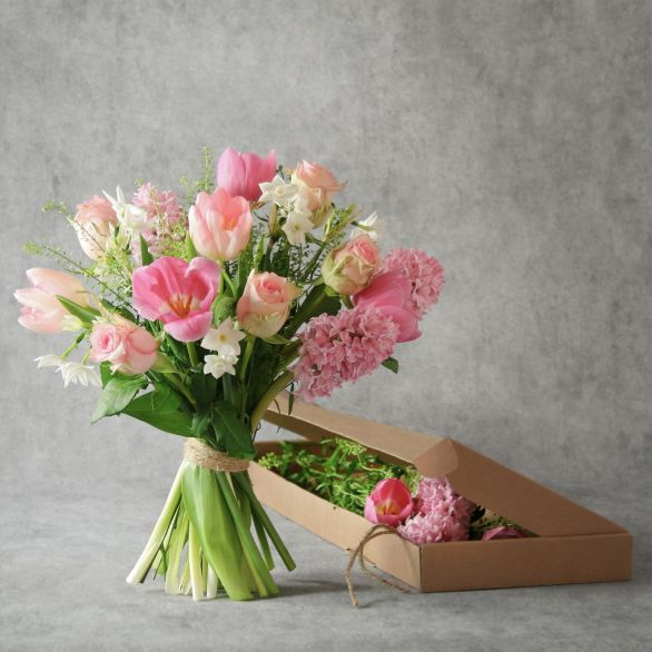 Pretty Pink Spring Bouquet - letterbox flowers Pink