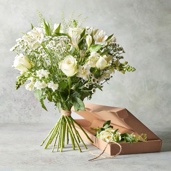 Classic White Summer Days Bouquet White