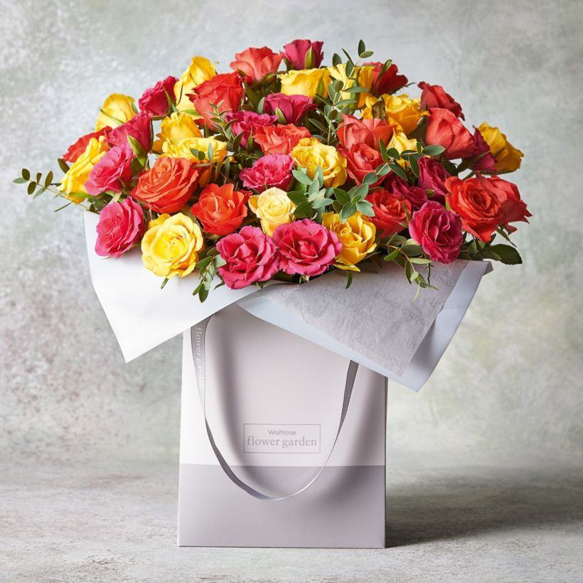 8757750d1771 Large Mixed Sweetheart Roses Gift Bag