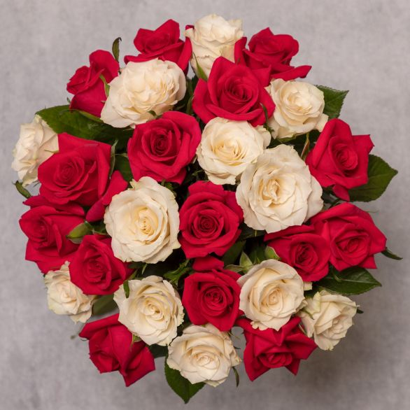 Mixed Sweetheart Roses Bouquet Pink