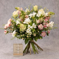 Mother's Day British Tulips Jug Gift Set